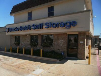 Uncle Bob S Self Storage Dallas S Buckner Blvd 3210