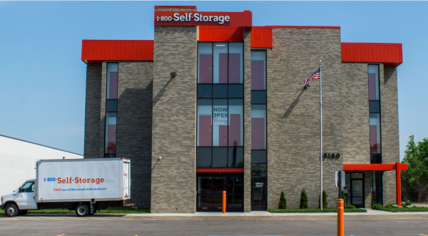 1 800 Self Storage 8 Mile 15160 West 8 Mile Road Oak