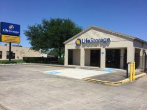 Life Storage - Deer Park - Center Street