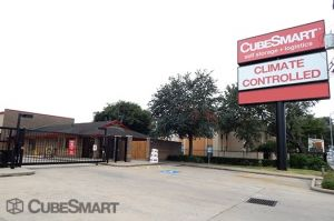 CubeSmart Self Storage - Houston - 7939 Westheimer Rd