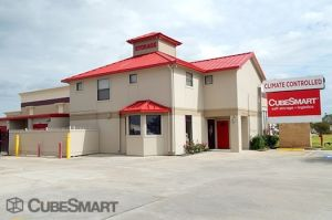 CubeSmart Self Storage - Pearland - 10401 Broadway Street