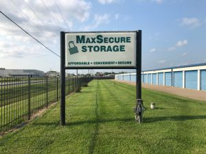 MaxSecure Storage - W 44th St