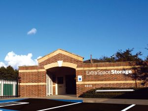 Extra Space Storage - Sugar Land - Old Mill Rd