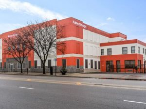 Public Storage - Chicago - 5643 N Broadway St
