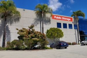 Public Storage - San Diego - 12340 World Trade Dr